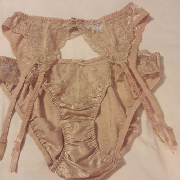 Vintage Warner's Panty & Garter Set SZ L NWOT. M_5b327ed9035cf153211e9d5c